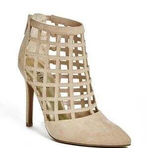 GUESS DALENEY STILETTO SUEDE CAGE CLOSED TOE 8.5